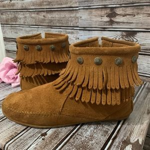 Minnesota Double-Fringe Side Zip Boot Size 8.5